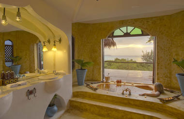 Matemwe Retreat - Bathroom interior and view
